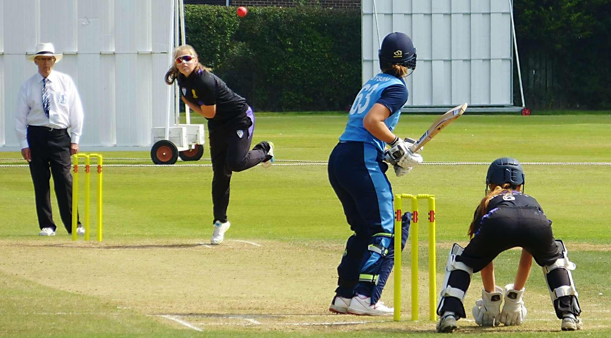 girls-cricket-bowling